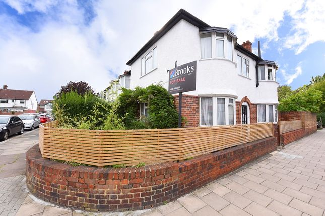 Thumbnail Property for sale in Newcombe Gardens, London