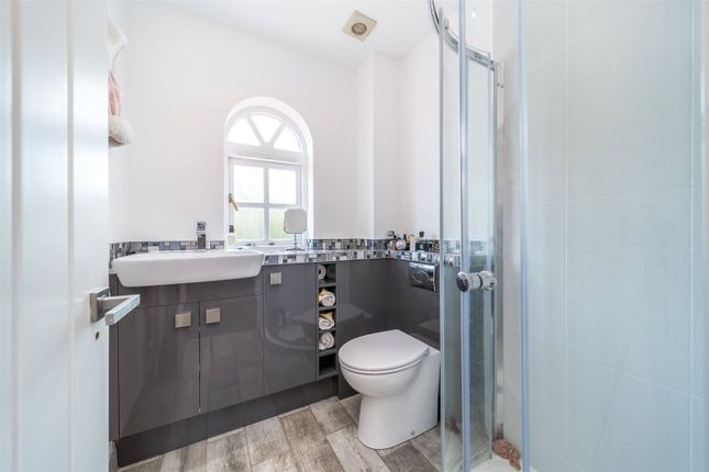En-Suite of The Thatchers, Thorley, Bishop's Stortford CM23