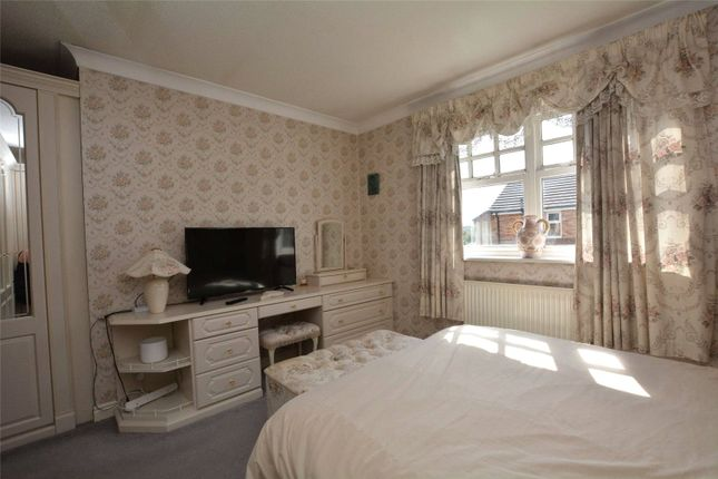 Picture No. 28 of Hopefield Green, Rothwell, Leeds, West Yorkshire LS26