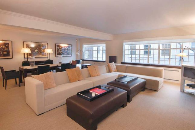 Thumbnail Flat to rent in Chalfont House, Chesham Street, Belgravia