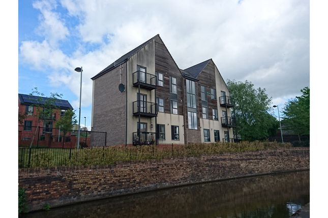 Thumbnail Flat for sale in Rosedawn Close East, Stoke-On-Trent
