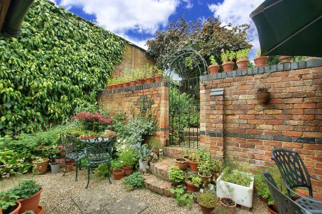 2 Bedroom Detached House For Sale 44729076 Primelocation