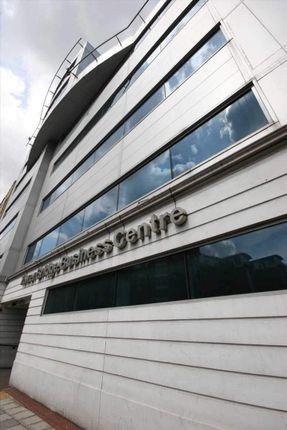Office to let in East Smithfield, London