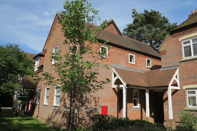 Thumbnail Flat to rent in Church Mews, Woodley, Reading