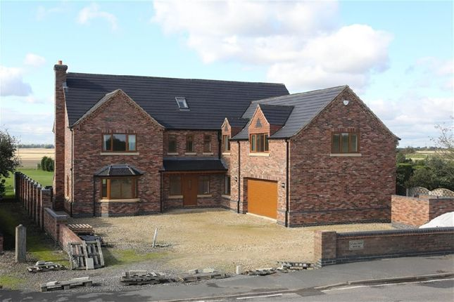Thumbnail Property for sale in Trentside, Derrythorpe, Scunthorpe
