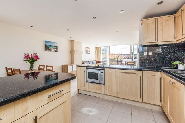 Thumbnail Flat for sale in Clifton Wood Road, Clifton Wood, Bristol