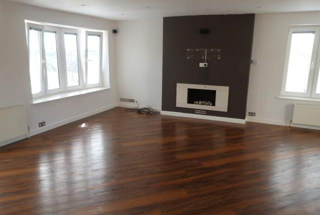 Thumbnail Property to rent in The Glade, Enfield