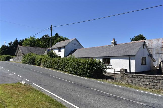 Thumbnail Farm for sale in Cwmsychpant, Llanybydder