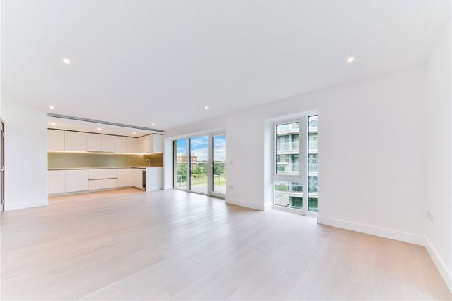 Thumbnail Flat for sale in Fairfax House, Fulham Reach