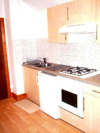 1 bed flat to rent in Newport Road, Roath, Cardiff