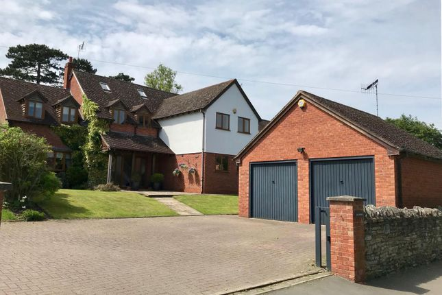 Thumbnail Detached house for sale in Dorsington Road, Pebworth, Stratford-Upon-Avon