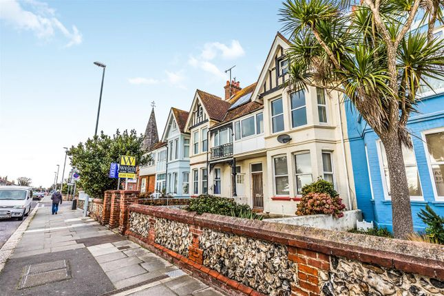 Flat to rent in The Broadway, Brighton Road, Worthing