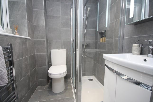 En-Suite of Preston Road, Preston, Weymouth DT3