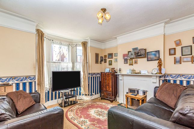 Living Room of Waverley Road, Reading RG30