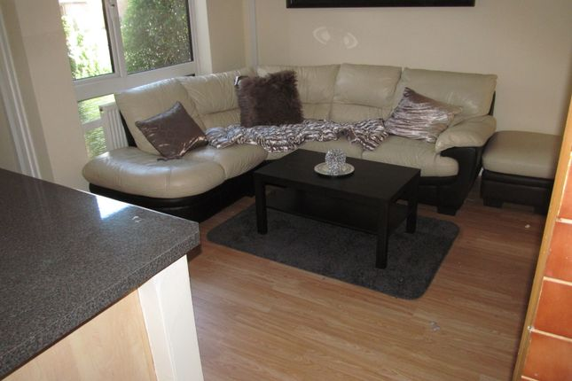 Thumbnail Detached house to rent in Benson Close, Reading
