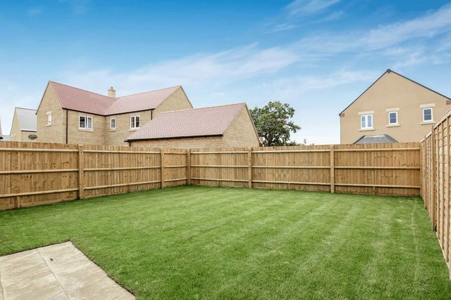 Thumbnail Terraced house for sale in Sedgefield, Bicester
