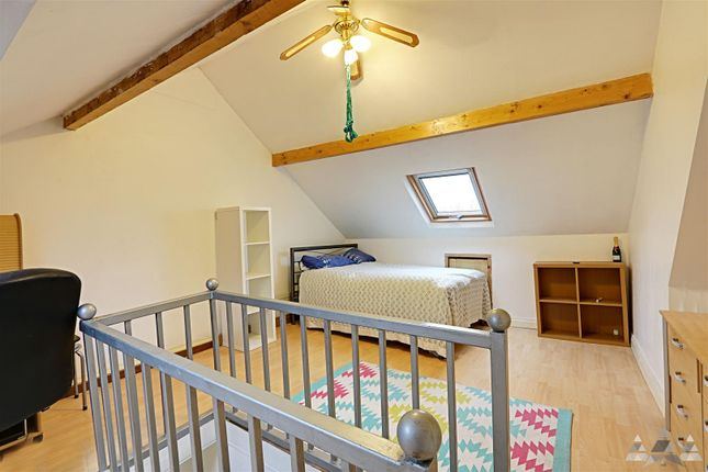 Attic Room of Chesterfield Road, Staveley, Chesterfield, Derbyshire S43