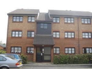 2 bed flat to rent in Ash Walk, Sudbury Avenue, Wembley HA0