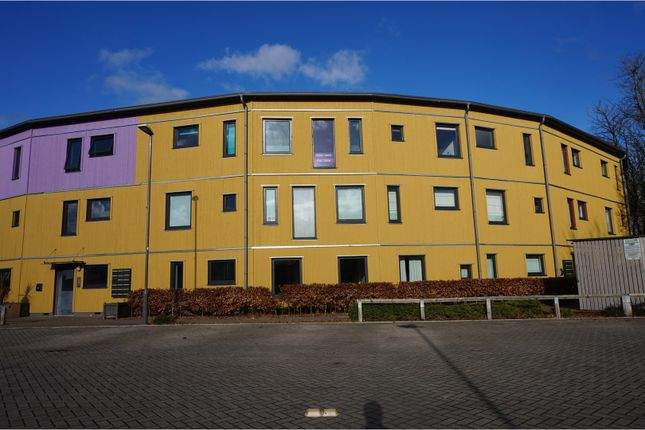 2 bed flat for sale in The Serpentine, Aylesbury