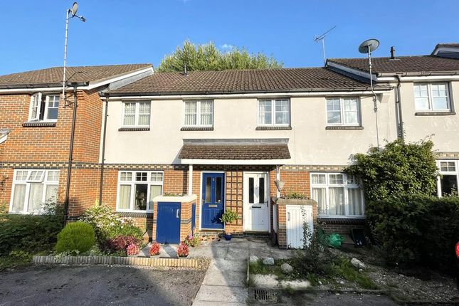3 bed terraced house to rent in Sims Close, Bramley, Tadley RG26