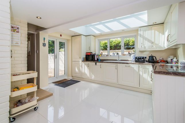 Thumbnail Property to rent in Winchester Road, Basingstoke