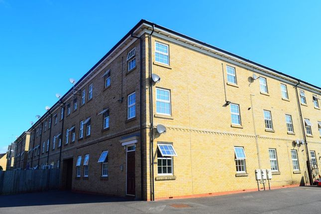 Thumbnail Flat to rent in The Ridings, Grange Park, Northampton
