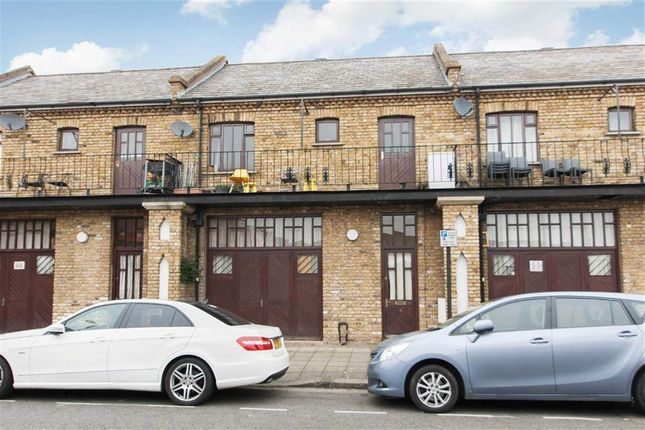 4 bed terraced house to rent in Essex Park Mews, London