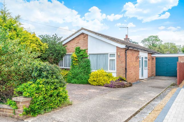 Thumbnail Bungalow for sale in Cedar Avenue, Ickleford, Hitchin