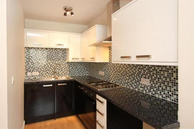Thumbnail Flat to rent in Baslow Road, Sheffield