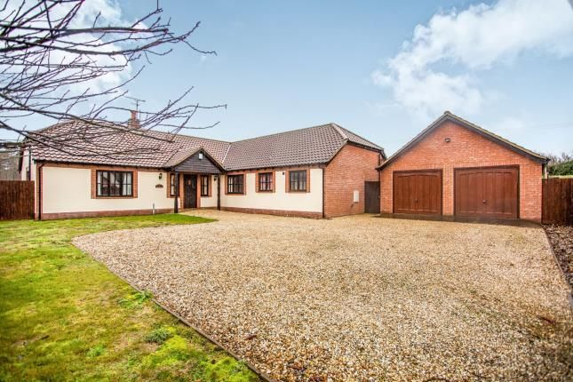 Thumbnail Bungalow for sale in Common Road West, Snettisham, Norfolk