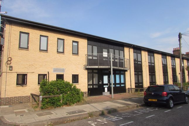 Thumbnail Studio to rent in Abbey Road, Newbury Park Ilford