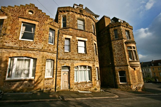 Thumbnail Flat to rent in Boscobel Road, St. Leonards-On-Sea