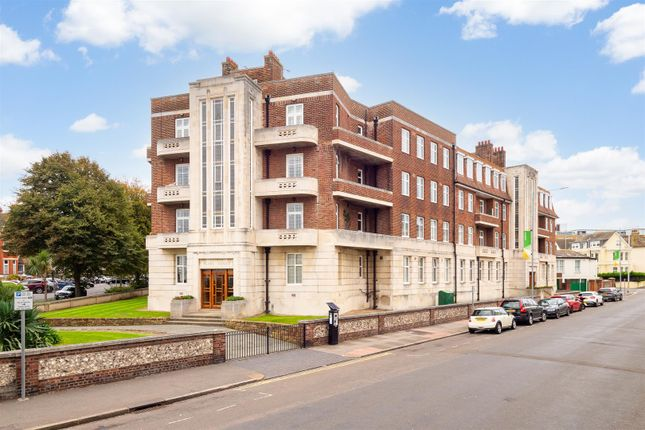 3 bed flat for sale in Cornfield Terrace, Eastbourne BN21