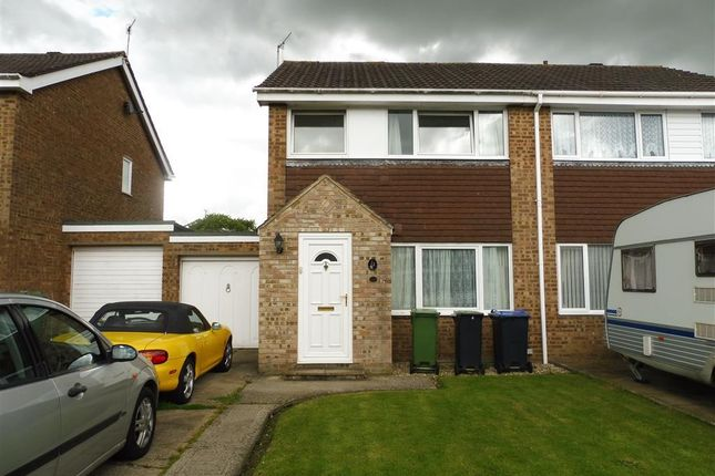 Thumbnail Property to rent in Wessex Close, Calne