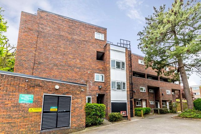 Thumbnail Flat to rent in Littlecombe Close, Kersfield Road, London