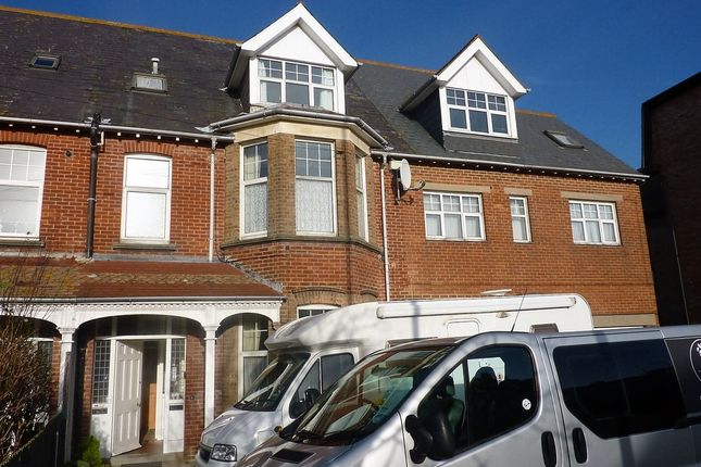 Thumbnail Flat to rent in Melcombe Avenue, Weymouth