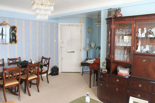 1 bed flat for sale in Edgware Road, London