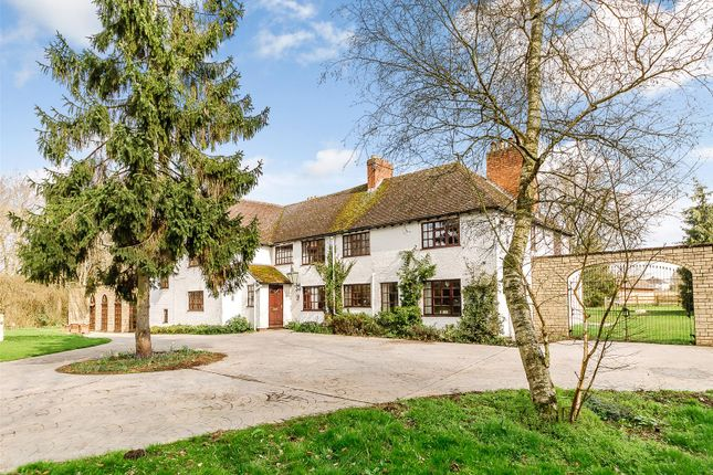 5 bed detached house for sale in Throckmorton, Pershore, Worcestershire