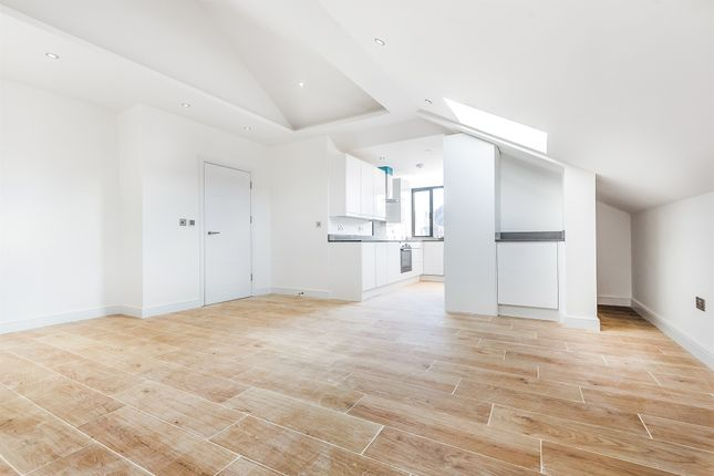 Thumbnail Flat for sale in Cleveland Gardens, London