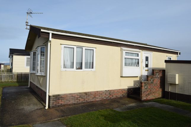 2 bed mobile/park home for sale in West Shore Park, Walney, Cumbria