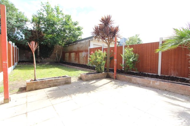 Thumbnail Detached house to rent in Balfour Road, Hounslow Central
