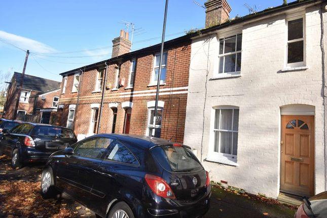 Thumbnail Terraced house to rent in Deep Lane, Basingstoke