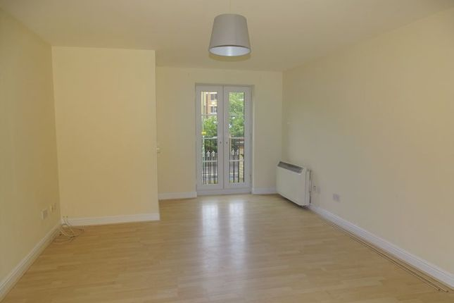 Thumbnail Flat to rent in Clarence Close, New Barnet, Barnet