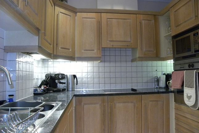 Fitted Kitchen  of Ellesmere Place, Walton On Thames, Walton On Thames KT12