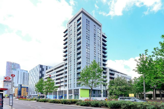 Thumbnail Flat to rent in Ward Road, Stratford