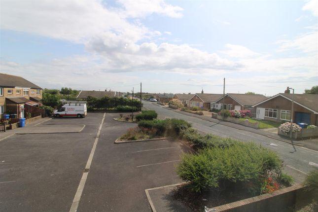 Aspect of Northway, Fleetwood FY7