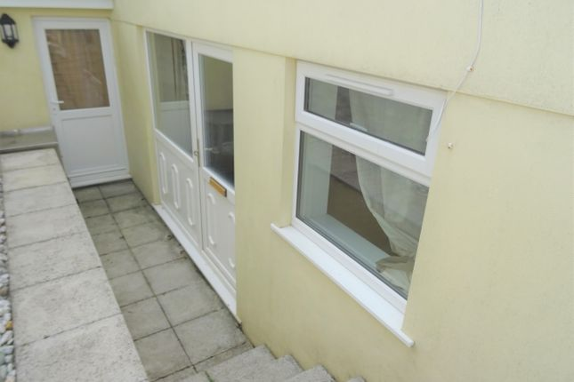 Thumbnail Flat to rent in Addington South, Liskeard