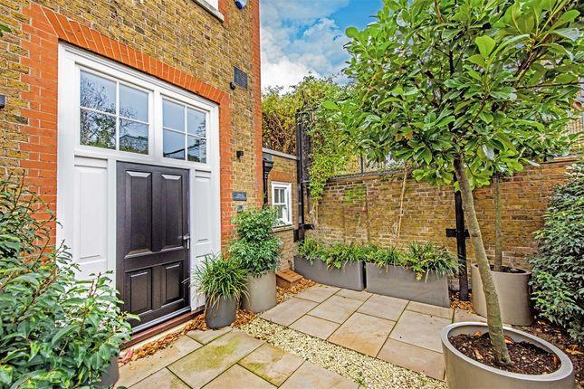 Thumbnail Semi-detached house to rent in Bridge Lane, London