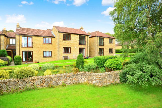 Thumbnail Flat for sale in Harlow Grange Park, Harrogate