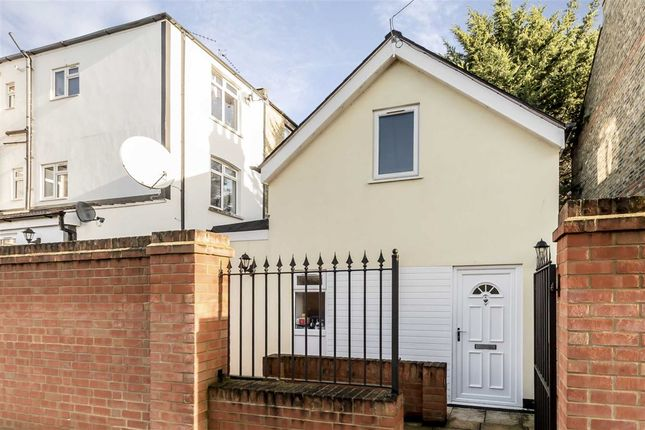 Thumbnail Property for sale in Summerlands Avenue, London